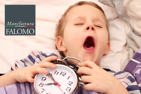 Matratzen, Kinder und Schlaf.