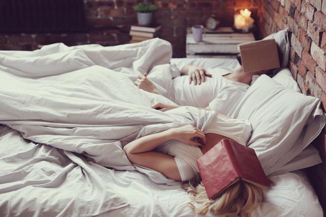Ist Lesen vor dem Schlafengehen immer eine gute Idee?