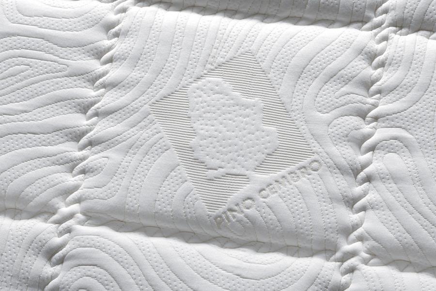 Detail von Matratzenauflage Zirbe