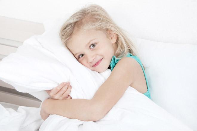 Ab wann dürfen Kinder ein Kissen haben?