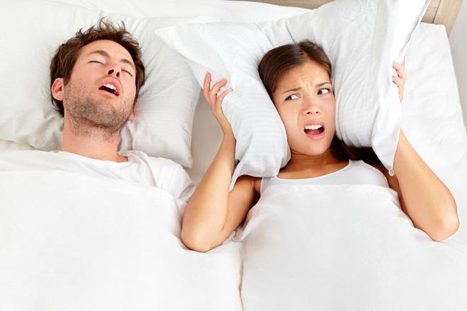 Bei Schlafapnoe- und Schnarchproblemen