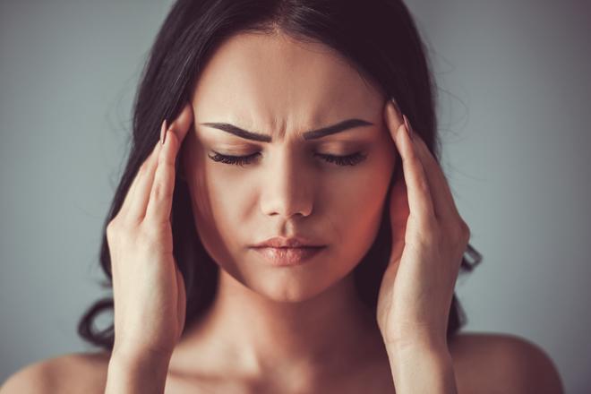 Wieso bekommt man von zu viel Schlaf Kopfschmerzen?
