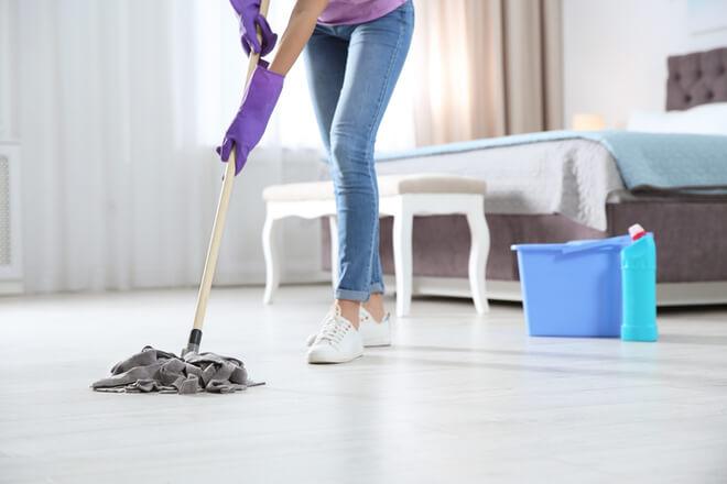 Wie reinigt man die Böden?